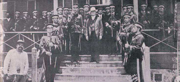 El general Díaz y su guardia presidencial, Veracruz, mayo  31 de 1911