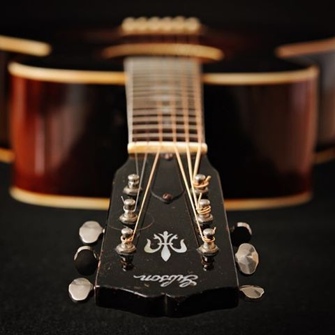 1935 Gibson Nick Lucas Special. #gibsunday . . .