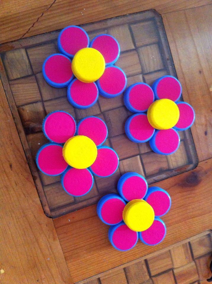 Flores con tapas de garraf n manualidades pinterest - Tapas faciles de hacer ...