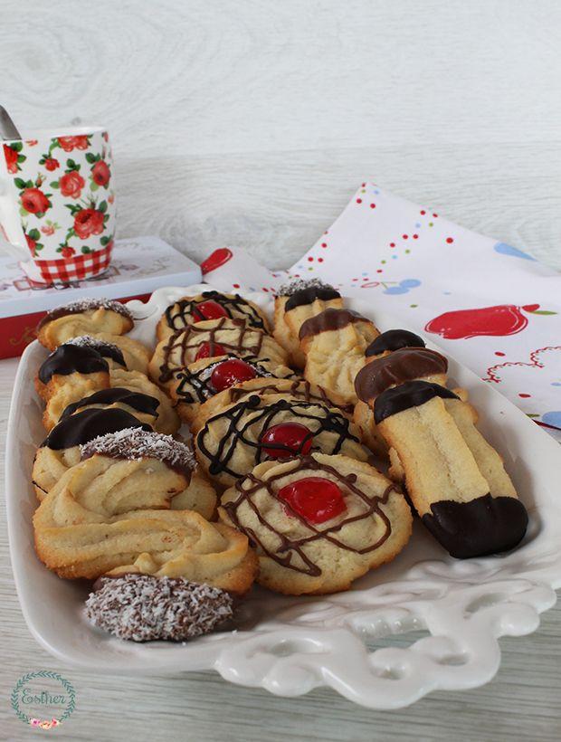 Estoy muy galletera últimamente, pero es que me dí cuenta que tenía pocas en el blog, y no es que no haga galletas, pero cada vez que las...
