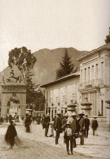 1898, Arco del Triunfo. Batalla de la Tribuna. Carrera 7a - Bogotá, Colombia