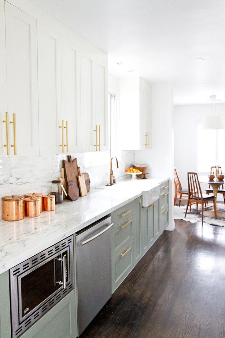 Mobilier de cuisine bicolore pour donner vie à son endroit préféré à la maison