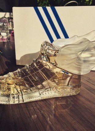 Kupuj mé předměty na #vinted http://www.vinted.cz/kosmetika-a-prislusenstvi/vune/13983203-luxusni-parfem-jeremy-scott-pro-adidas