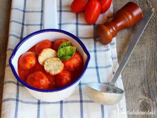 Polpette di Ricotta al Sugo  Deliziosamente tenere e gustose! http://bit.ly/Polpette-di-ricotta