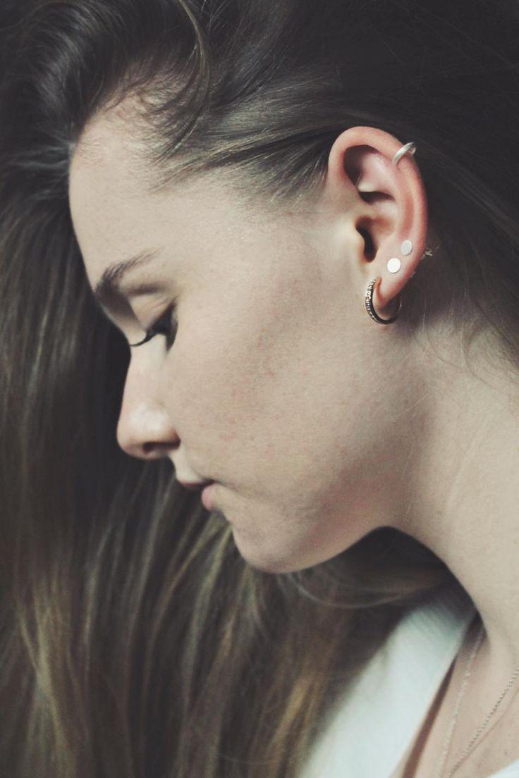 Styling by julielefevre showing Simple edge Earcuff Small Silver, Dot Ear Studs Large Silver and Infinity Hoop Zirconia Ear Studs Medium Polished Rose Gold #jewellery #Jewelry #bangles #amulet #dogtag #medallion #choker #charms #Pendant #Earring #EarringBackPeace #EarJacket #EarSticks #Necklace #Earcuff #Bracelet #Minimal #minimalistic #ContemporaryJewellery #zirkonia #Gemstone #JewelleryStone #JewelleryDesign #CreativeJewellery #OxidizedJewellery #gold #silver #rosegold #hoops #armcuff…