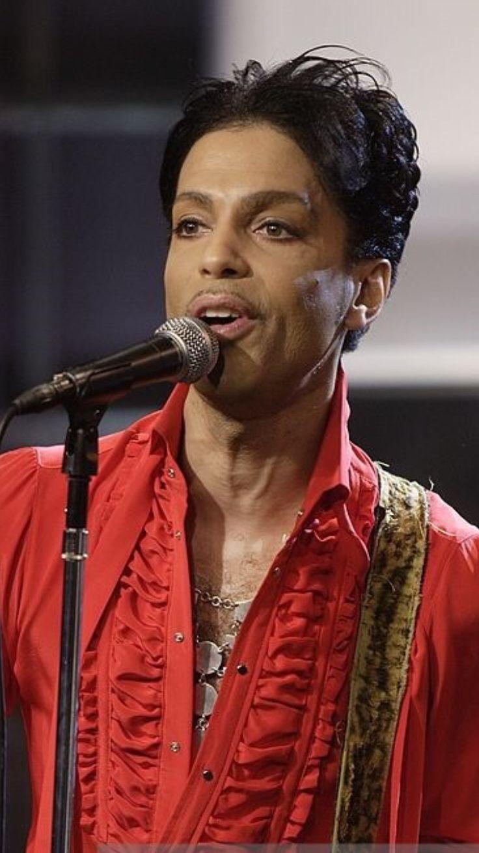 Prince Rogers Nelson ' Prince ' Born : 07.06.1958, Minneapolis, Minnesota, U.S...Died : 21.04.2016, Chanhassen,Minnesota, U.S..( Aged 58 ).