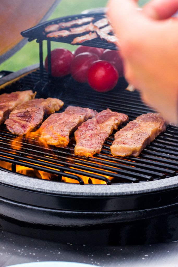 Suuri Suomalainen grillikirja on kattava ruokakirja grillauksen perusteista ja herkullisesta grillattavast