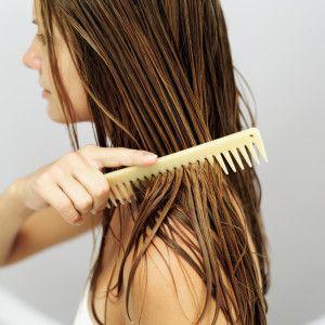 Le masque pour les cheveux avec les vitamines в6 et в12 et le jaune
