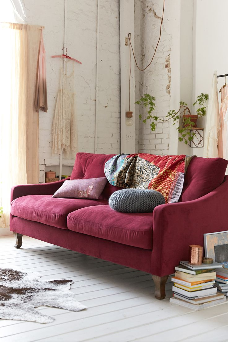 Blue and yellow living room with brown couch - The Perfect Mixture Of Red And Brown Marsala The Purplish Red Sofa Can Add Warmth And Sophistication To Your Fall D Cor Marsala Ideally Would Be Used