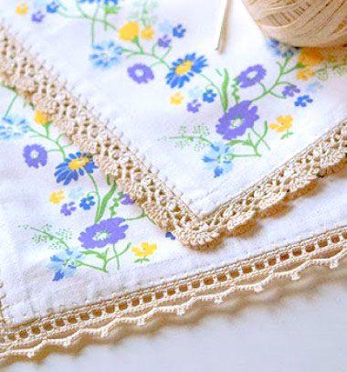 Crocheted borders -  spice up your boring tablecloth // Unalmas abroszok új ruhában - horgolt szegélyek // Mindy - craft & DIY tutorial collection