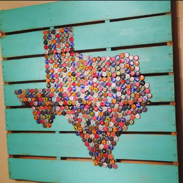 DIY Texas Beer Cap Pallet Artwork! This took me a long time to collect all the different beer caps...but it was so worth it! My favorite craft that I've made so far!