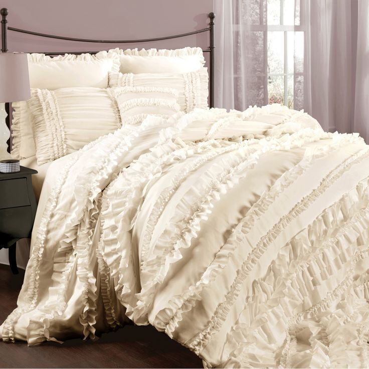 Make your bedroom luxurious with this four-piece comforter set. The beautiful set has a frilly design, and you can get it in ivory or white. The contemporary pattern makes it stand out, and it is soft to the touch to ensure a comfortable night's sleep.