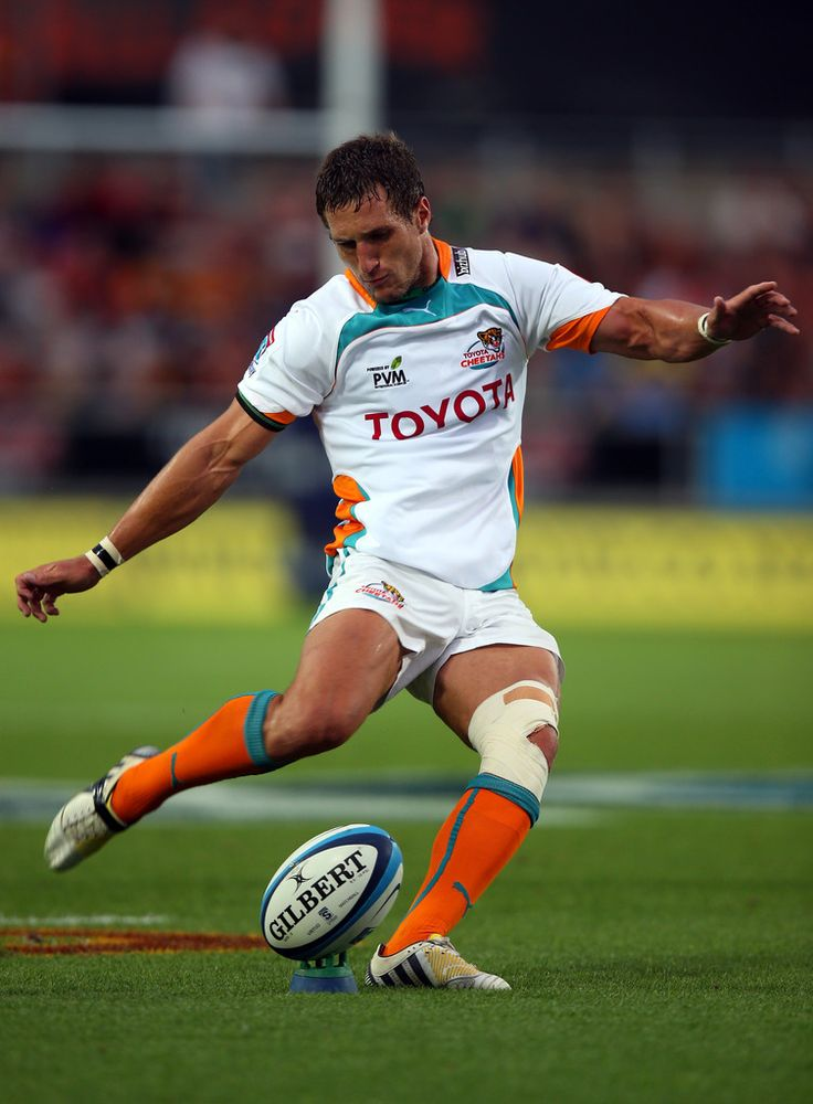 Johan Goosen of the Cheetahs kicks a penalty during the round three Super Rugby match between the Chiefs and the Cheetahs at Waikato Stadium on March 2, 2013 in Hamilton, New Zealand.