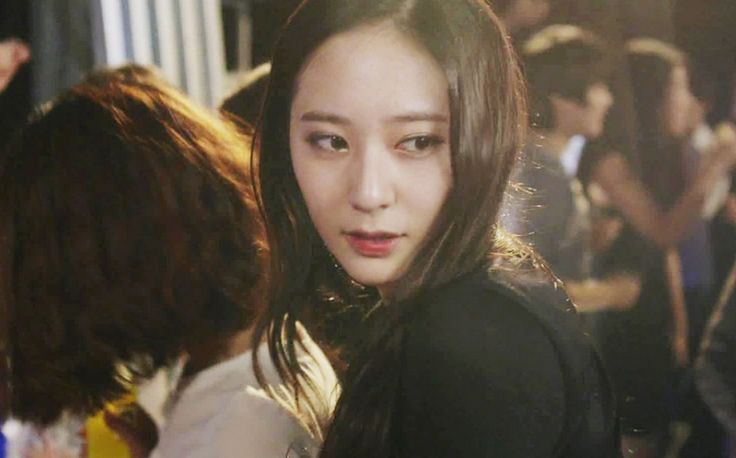 'My Lovely Girl' gains 100 millions views from its Chines fans  #KRYSTALCHINA #mylovelygirl #yoonsena #krystal #fx #rainkrystal #rain #singer #idolacting #kimtaehee #infinite #l #myungsoo #fxchines #kpopmap #sm #smgirl #kpopalbum