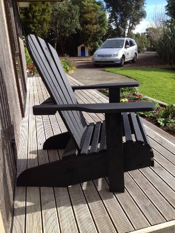 cape cod chair ... free made using pallets!