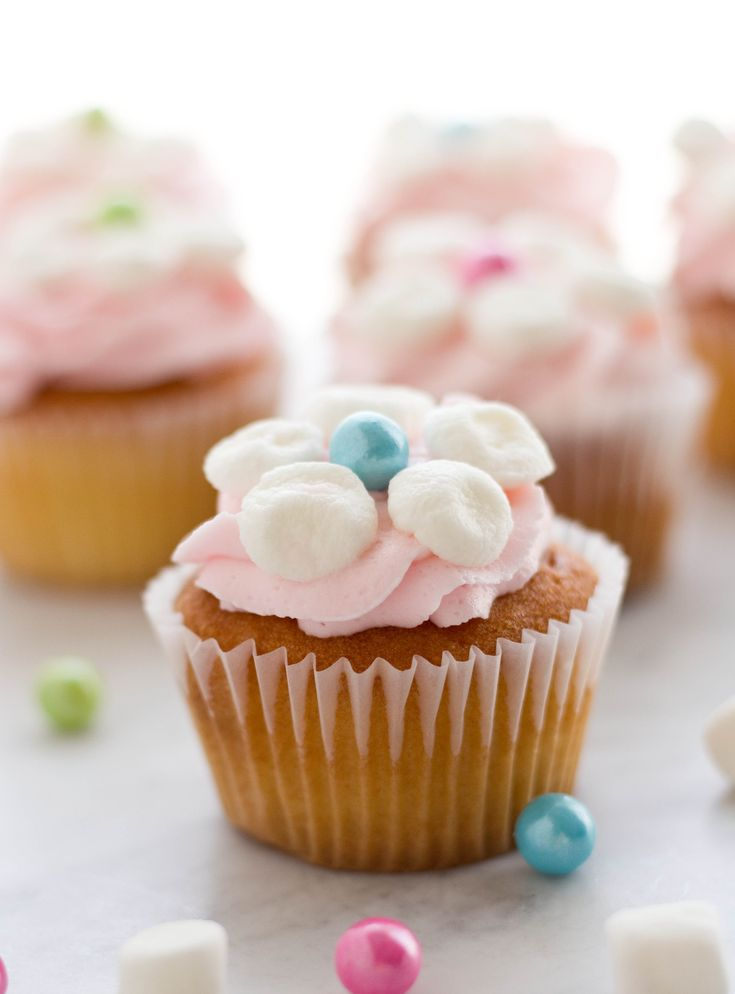 Cupcake Decorating Ideas With Marshmallows : Best 25+ Marshmallow flowers ideas on Pinterest ...