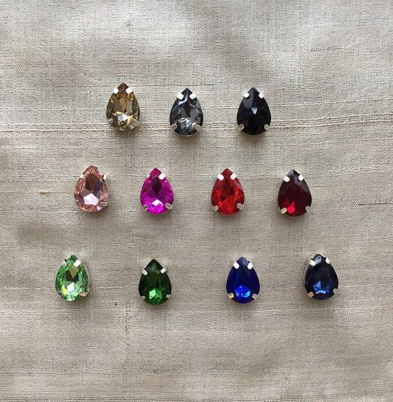 En forme de larme poire verre teinté boutons, poire coloré forme strass rouge vert bleu rose breloques, pendentifs, couture bijoux dos perle plate, 2.5 cm, 2 pcs