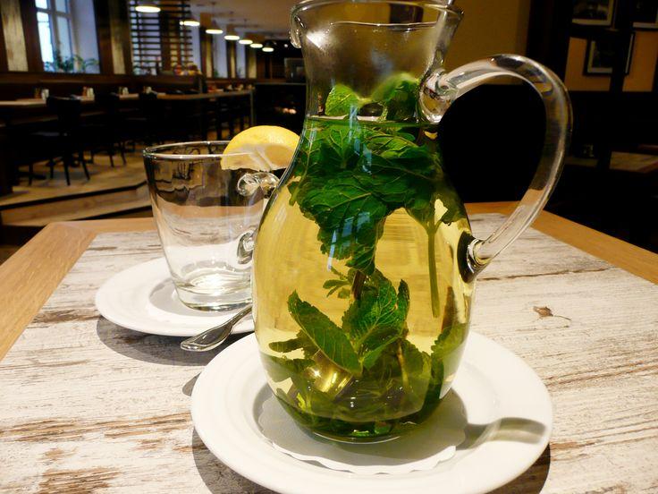 Džbánek domácího čaje v restauraci U Kaštanů Jarov http://www.ukastanu.cz/jarov.html