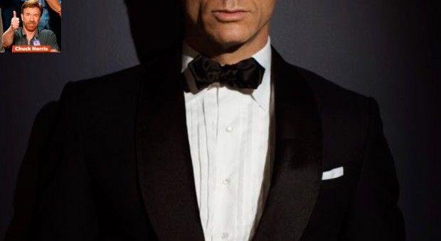 Usar lenço no bolso do paletó é uma ótima maneira melhorar sua aparência sem ter que apelar (ou arriscar) para combinações ousadas de gravata/camisa/terno. Eles podem tanto acompanhar a cor (e o tecido) claro da camisa, quanto a cor (e o tecido) mais vivo da gravata.