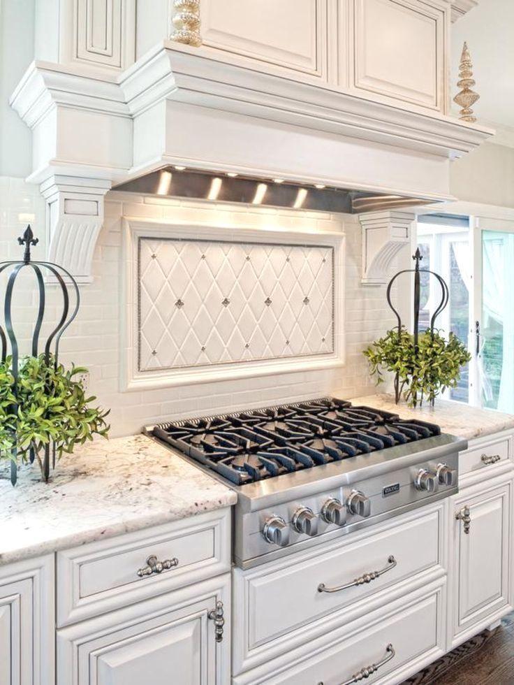 White Kitchen Cabinet Kitchen Ideas And Pics Of Kansas City Kitchen Cabinets Cabinets Kitchendesign White Kitchen Traditional Home Kitchens Kitchen Design