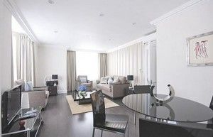 Booking apartments in London is the first step to getting the best accommodation for your trip. Short-term and long-term trips can benefit from choosing apartments and booking online other than settling for another hotel room.
