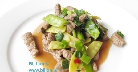 Recept voor snelle roerbakschotel met biefstuk en peultjes