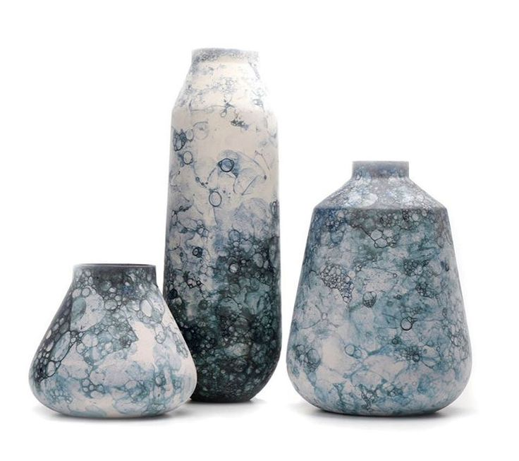 Studiooddness creates vases with random patterns created by using soap and bubbles.