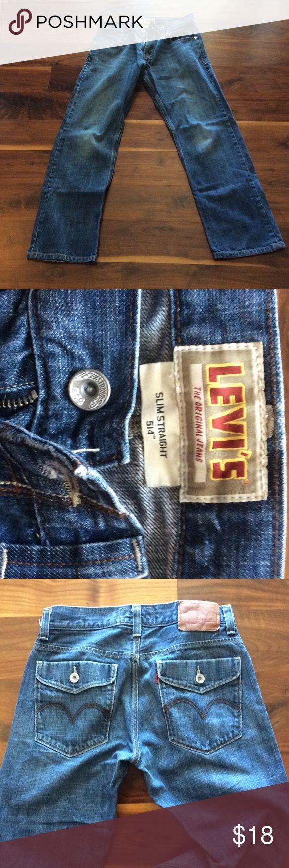 Levi jeans Levi 514 jeans size 32 X 34.  Gently worn. Levi's Jeans Slim Straight