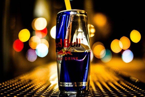 El consumo de bebidas energéticas, como Red Bull o Monster, se ha disparado en los últimos años. ¿Cómo afectan a la salud? ¿Qué ocurre si se toman a diario?