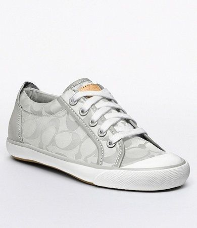 Soo want these, will go perfect with my handbag, baby daddy got me :)