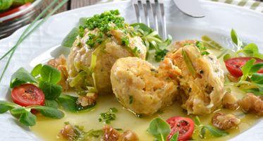 Von 14.-22. Januar hält die Knödelvielfalt Einzug im Braurestaurant IMLAUER in Salzburg, Klassiker der österreichischen Küche von deftig bis süß.