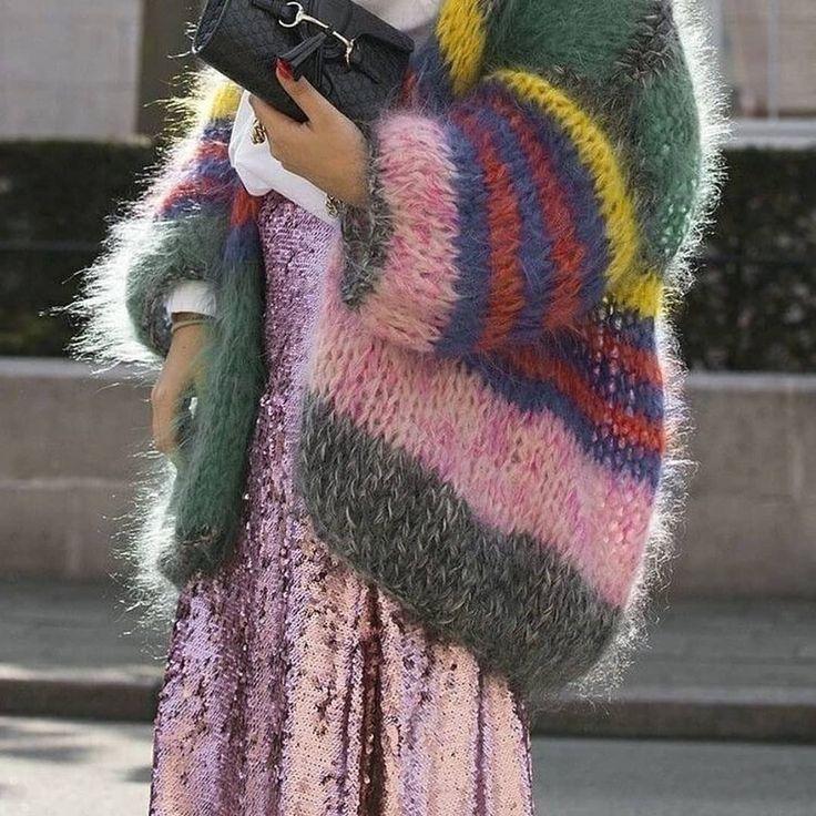Street style 💙 #fashionkills #stylekills #fashionweek #streetstyle #streetwear #paris #outfits #outwear