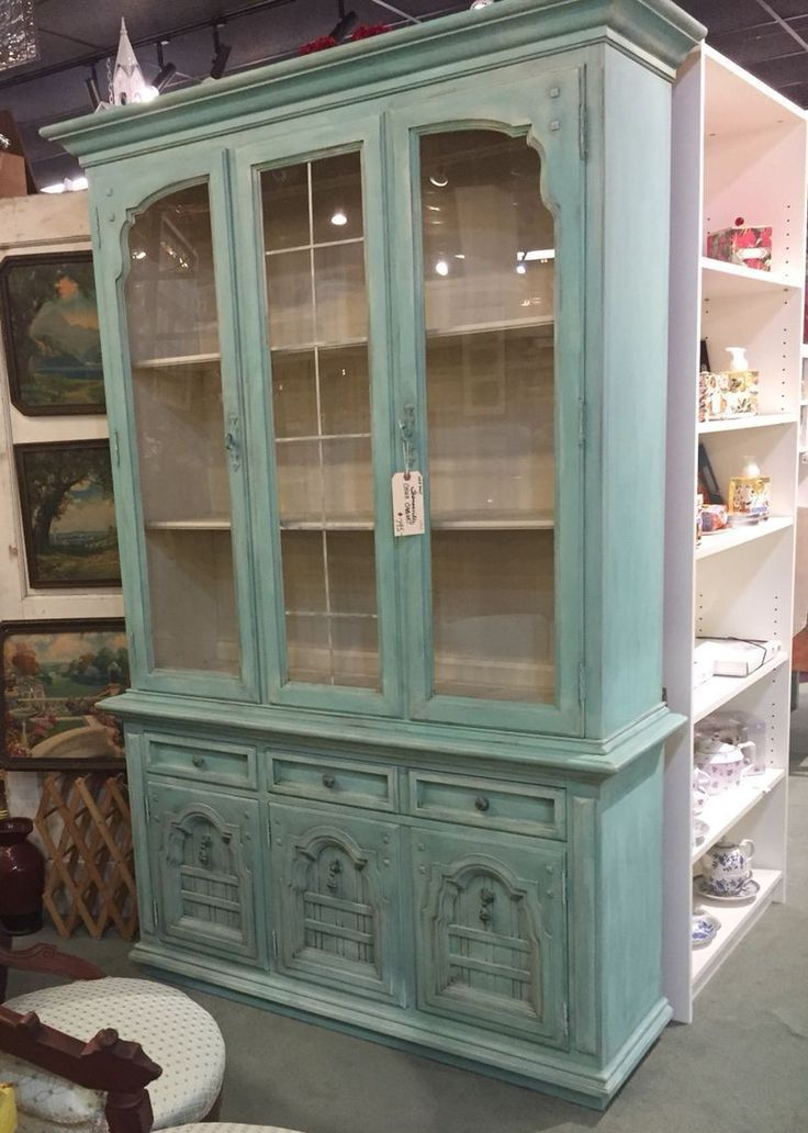 Thomasville china cabinet makeover redo! Chalk painted aqua blue/turquoise, mixture of Annie Sloan duck egg, Provence, Florence, Antibes green, old white. Shabby chic sweet. For sale at High Street Antique Mall, Plano, Texas. #shabbychicfurnitureforsale