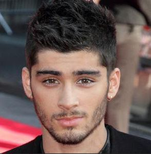 Zayn Malik Wiki, Age, height, weight, Family, images. Zayn Malik images, Biography, photos, pics, HD Wallpapers, Award, video song, Girlfriends, Family pics #zaynmalik #onedirection #weareyoung #singer #Zaynmalikimages
