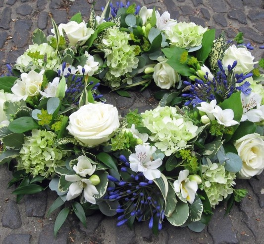 white rose, midnightblue agapanthus, limewhite hydrangea sympathy design
