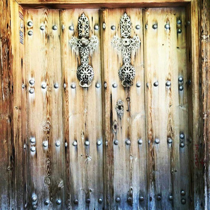 Kemaliye evlerine özgü kapı ve kapı tokmağı