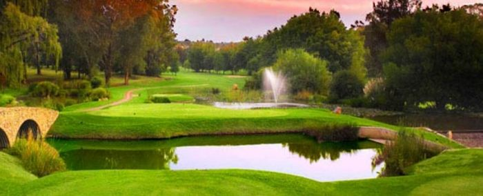 Bryanston Country Club in Johannesburg, Gauteng, South Africa. Golfers can enjoy birdlife and striking water features as they play 18 holes. http://www.gauteng.net/business/plan_your_event/golf_tourism/golf_courses_in_gauteng/