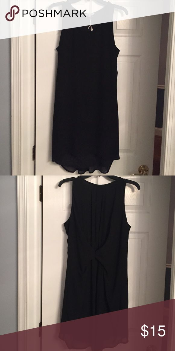 Black dress with gathering in the back Little longer in the back Dresses