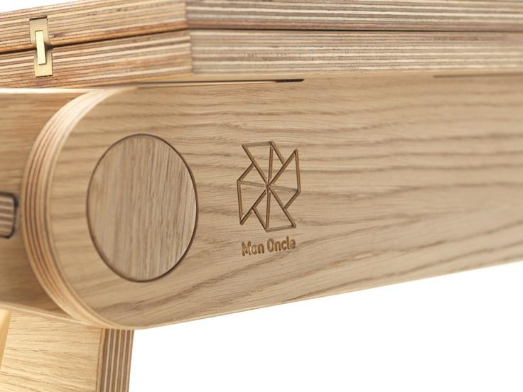 MONONCLE elevating coffee table  sur mesure en bois