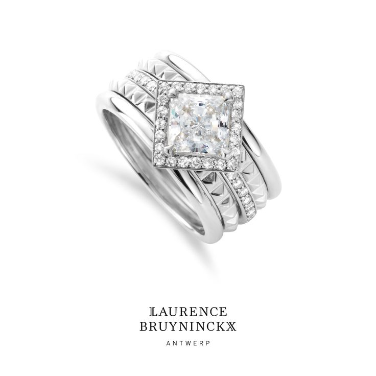 Let your love grow with stacking bands in endlessly unique combinations. • • • #halo #engagementring #weddingband #bridal #marryme #jewelry #diamonds #jewelrydesign #diamondring #stackingrings #LXAntwerp