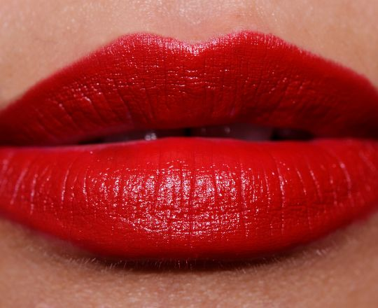 *M·A·C Lipstick - Russian Red (Permanent Collection; Matte Finish) / Temptalia [A]