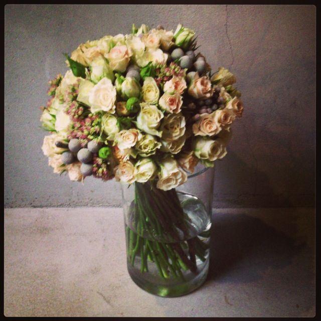 TIESTO  BCN ramo de novia rosas mini brunias eucalipto