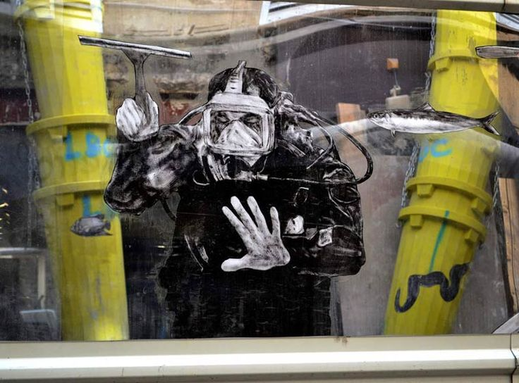 Here are now the latest creations of French street artistCharles Leval, akaLevalet, whose collages, overflowing with creativity, cover the walls of the stre