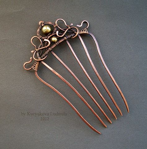Wire wrap, comb