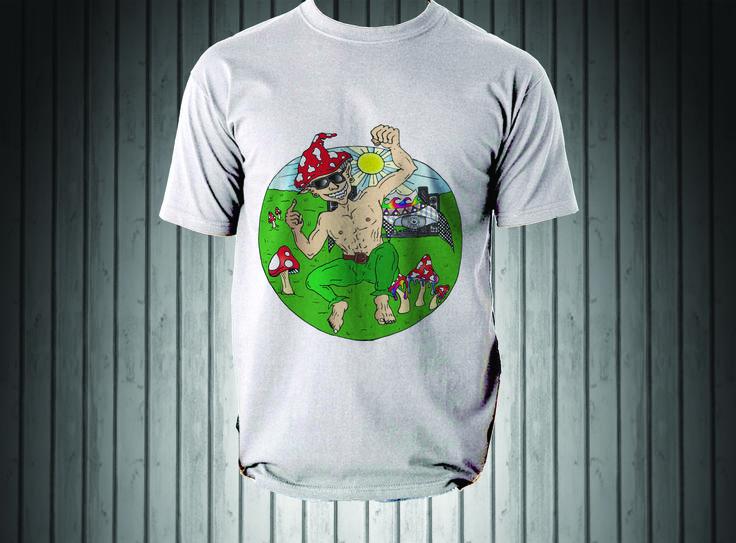 Camiseta 100% algodão, em malha estonada ou quality e impressão direta sobre o tecido, garantindo conforto e caimento perfeito. Ah, não desbota nem encolhe!   #tshirt #ahart #duende #fest #cogumelo #mushrooms #amanita #desenho #drawing #design #camiseta #art #dance #music