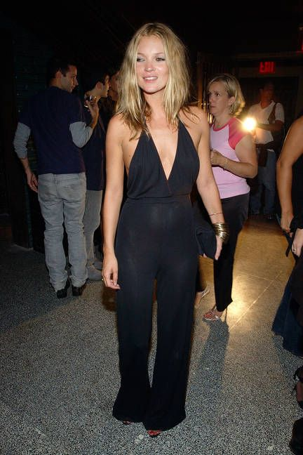 What to wear on New Year's Eve? Anything inspired by the one-and-only Kate Moss, of course. The sexy jumpsuit is warmer and fresher.