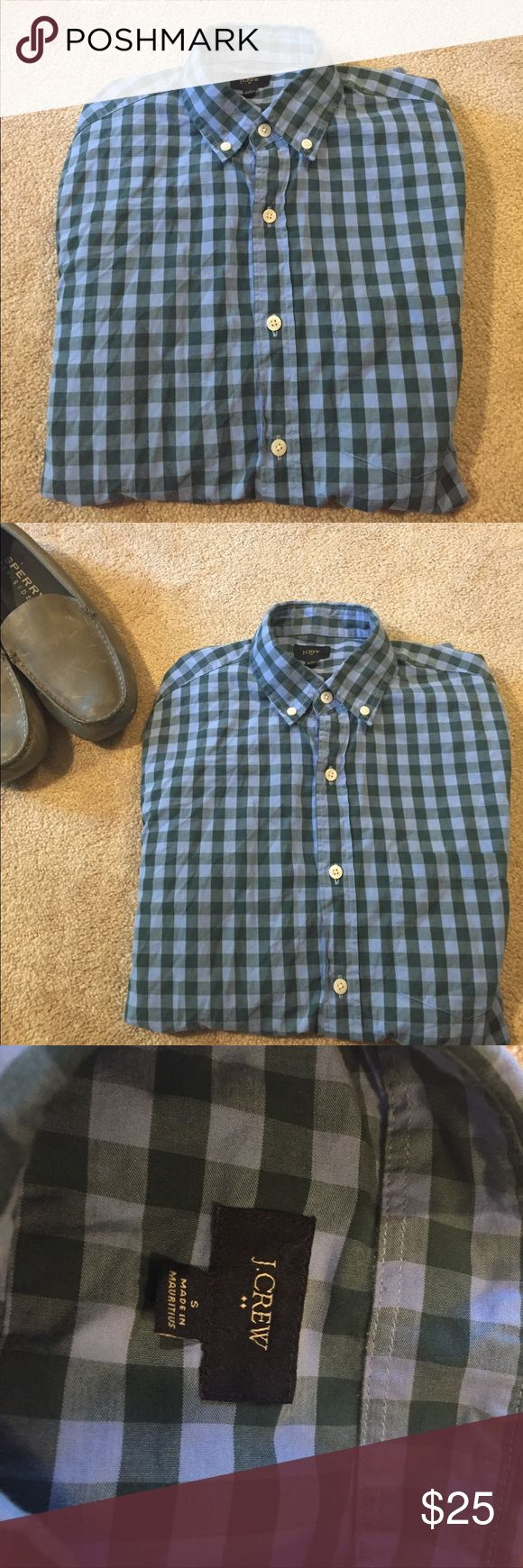 Men's J Crew Plaid Button Down - Small Ecclenmt condtion no rips, stains, or tears. J Crew men's small lightweight button down. J. Crew Shirts Casual Button Down Shirts