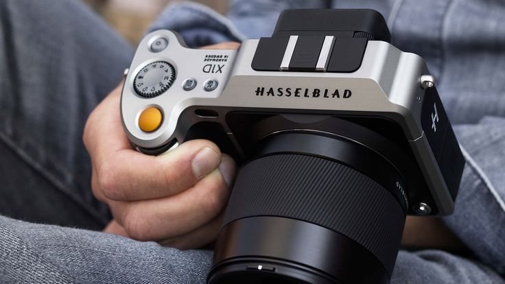 It's official, mirrorless medium format has arrived and it's awesome After the teases and the leaks, it's now official as Hasselblad launch their X1D Medium Format Digital Mirrorless camera.It is a thing of beauty, and the specs look very impressive.Although, with a price tag of $8995, one would hope so. It usesthe same 50MP CMOS sensor as their new H6D-50c, so the X1D is going [...]