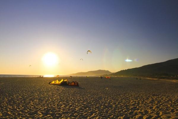 Kitereisen: Kitesurfen in Tarifa