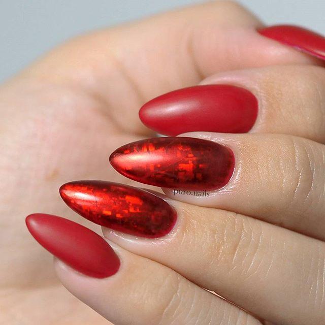 Beautiful red 528 and top matt @procosmetics.pl   #nailart #nailsoftheday #nails #nail #hybrydnails #hybrydymanicure #kochampaznokcie #instanail #nails2inspire #paznokciehybrydowe  #paznokcie  #nailartist_manicure #nails #nailswag #gelnails #winternails #nailru #nailstagram  #nailpro #instagramnails  #beautifulnails #trna #handpainted #rednails #rednails #christmasnails #zima2017 #winternails  #christmastime
